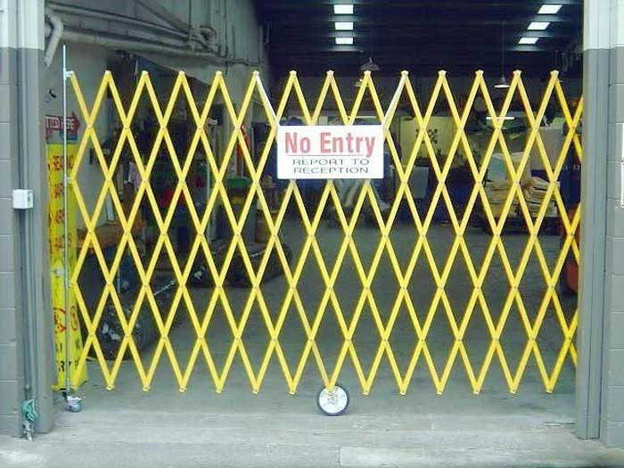 Retractable barriers